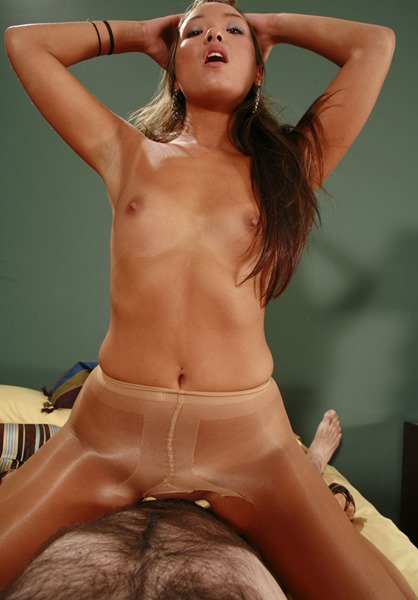 babe-riding-cock-in-pantyhose